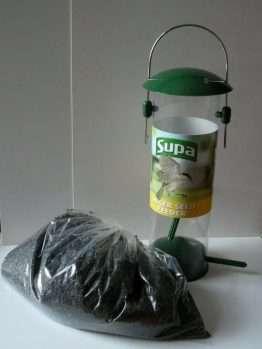 Supa Plastic Niger Seed Feeder and 500g Niger Seed
